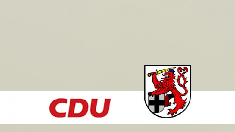 CDU Kreistagsabgeordnete Brigitte Donie freut sich über Ausbau K3
