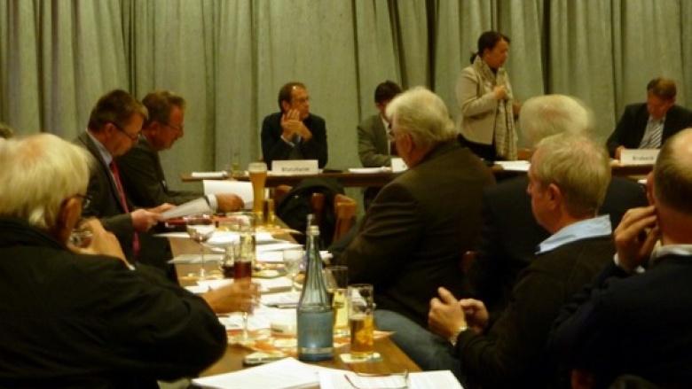 Bürger diskutieren in Bornheim zur Zukunft der regionalen und überregionalen Energiepolitik